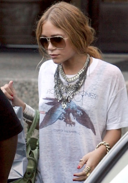 12-Le-Fashion-Blog-13-Ways-To-Style-A-Vintage-Tee-Rolling-Stones-Jewel-Statement-Necklace-Mary-Kate-Olsen-Olsens-Anonymous